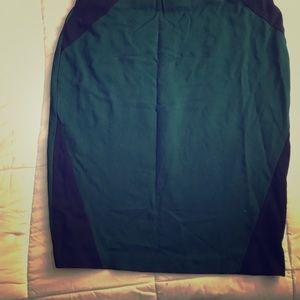 Dresses & Skirts - Green mini skirt fitted